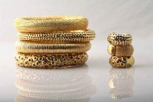 anelli e bracciali in oro